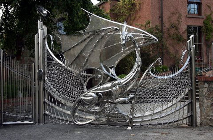 the dragon gate of harlech house dublin