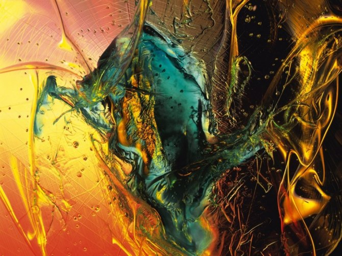 colorful_abstract_effect_of_glass_and_shards dragon