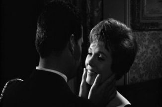 julie-andrews AofE going to kiss james garner