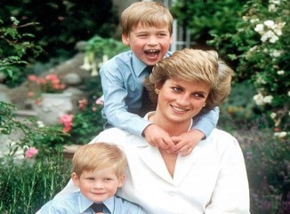 lady diana with sons william and harry young
