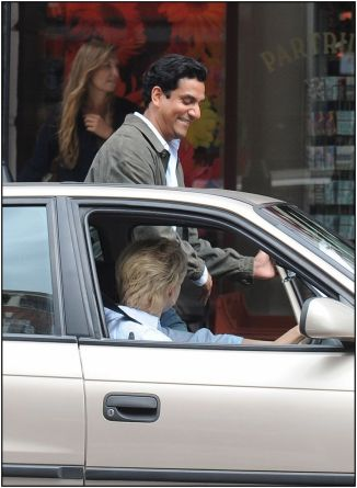 "Naomi Watts ""Diana"" Naveen Andrews getting into car  837x1143"