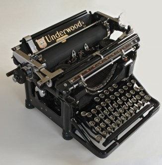 Underwood Typewriter   1567x1600