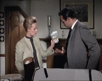 tippi-hedren sean-connery alfred-hitchcock-marnie returning money