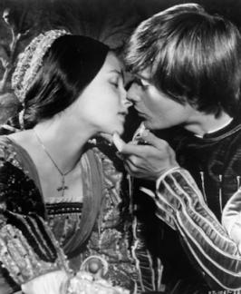 romeo & juliet kiss