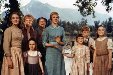 the sound-of-music-1965 maria & kids look up at captain & baroness maria says not back to stay