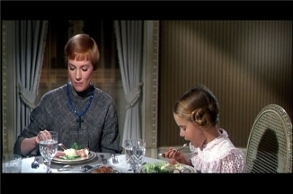 the sound of music at dinner 2st night maria thanking kids 4 there lovely welcome earlier