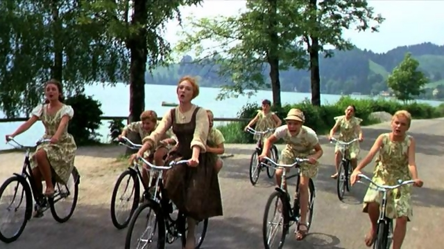 the_sound_of_music_film_do_re_mi riding bikes