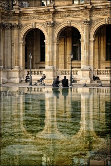 paris Louvre reflection