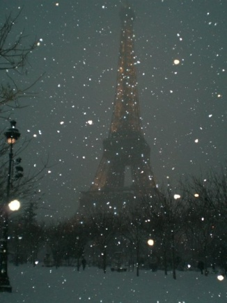 paris winter night snow eiffel tower