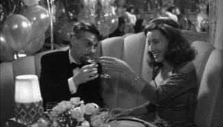 dead-again- roman & margaret toasting