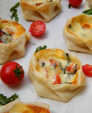 basil mozzarella tomatoe wonton wrappers