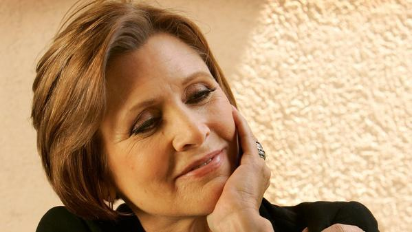 carrie-fisher-hand-to-face