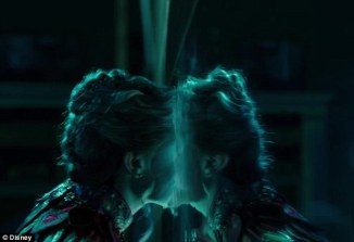 mirror-alice-through-the-looking-glass