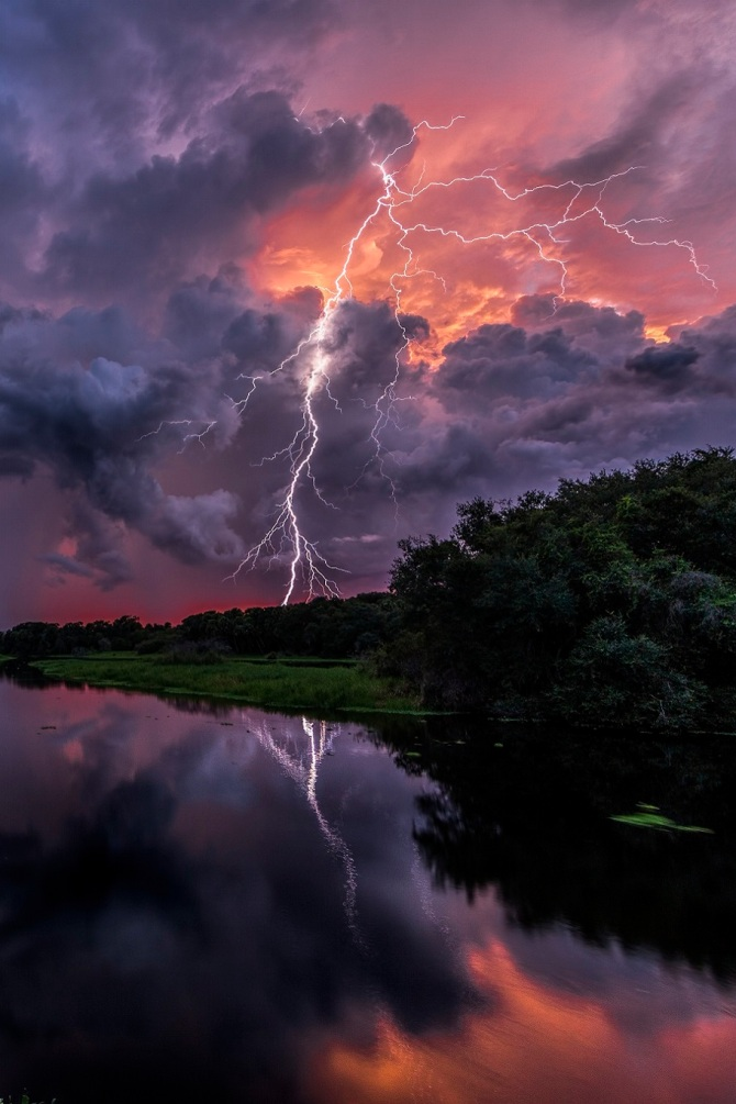 stormy-sunset-for-dylan-thomas-poem-do-not-go-gentle-into-that-good-night-myakka-river-state-park-in-fl